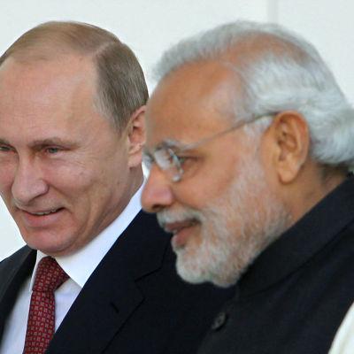 Rysslands president Vladimir Putin och Indiens premiärminister Narendra Modi