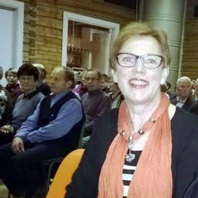 Maksniemen kyläyhdistyksen sihteeri Irma Kyröläinen