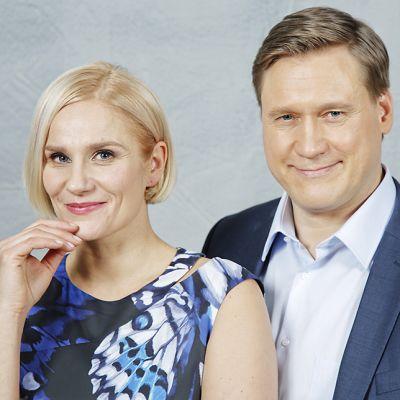 Näyttelijät Laura Malmivaara ja Samuli Edelmann.