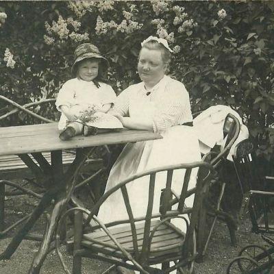 Alva Forsius med dotter
