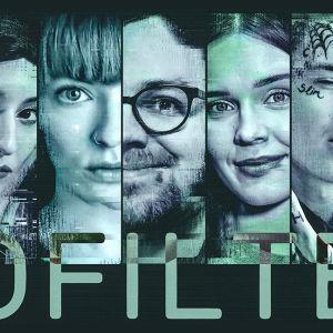 Sinivihreässä kuvassa hymyileviä ja vakavia kasvoja sarjasta NOFILTER. Sarjan nimi lisätty myös kuvaan.