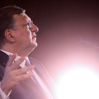 Jose Manuel Barroson seuraaja EU:n komission puheenjohtajaksi on illan yksi puheenaiheista.