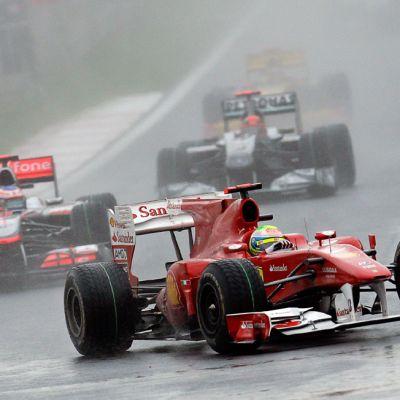 Korean vuoden 2010 F1-kisa ajettiin rankkasateessa.