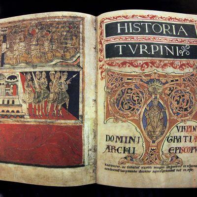 Codex Calixtinus -käsikirjoituksen näköispainos esillä Santiago de Compostelassa heinäkuussa 2011.