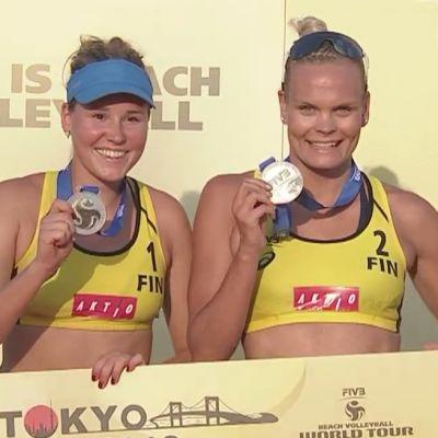 Anniina Parkkinen ja Taru Lahti-Liukkonen.