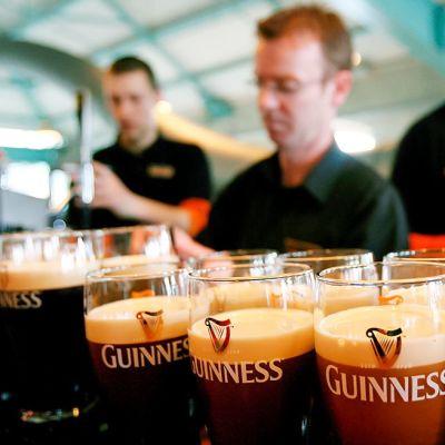 Guinness tuoppeja