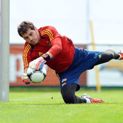 Iker Casillas harjoituksissa.