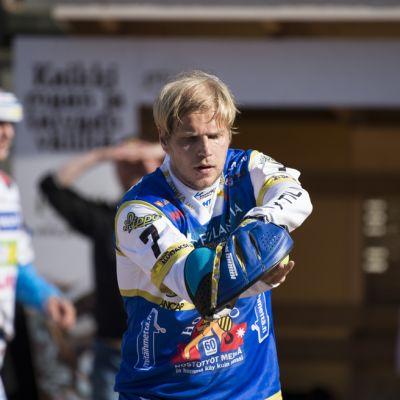 Oulun Lipon lukkari Hannu Huuskonen.