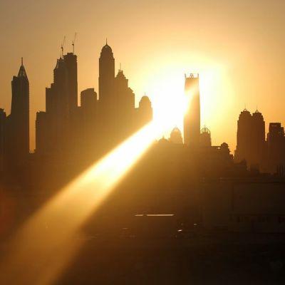 Maya-ajanjakson viimeinen auringonnousu Jumeirah Beachissä, Dubaissa.