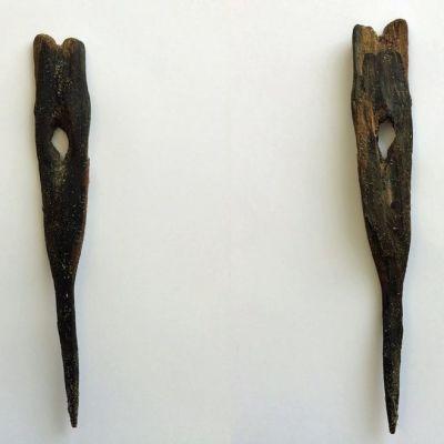 Suomussalmelta löydetty vanha puikkari, jota on käytetty verkkokalastuksessa apuvälineenä.