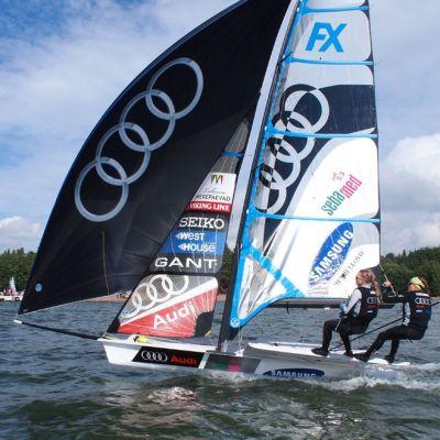 Silja Lehtinen ja Mikaela Wulff 49er FX -luokan kilpailussa.