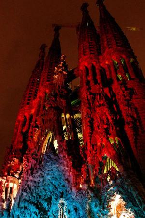 Barcelonan Sagrada familia jouluasussaan.