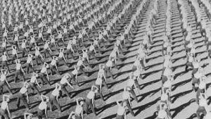 Voimistelijoiden yhteisesitys 1946 liittojuhlilla