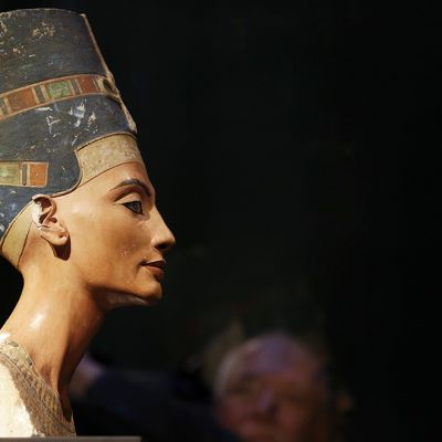 Nefertitin rintakuva Berliinin Neues Museumissa.