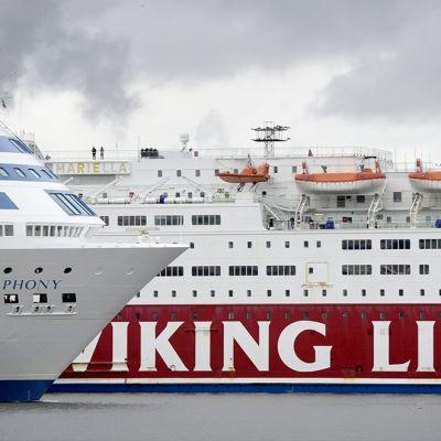 Matkustajalaivoja eteläsatamassa.