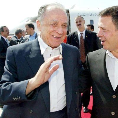 Kuvassa vasemmalla on Romanian entinen presidentti Ion Iliescu. Valokuva on otettu vuonna 2002.