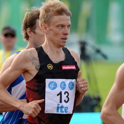 Jukka Keskisalo kuvassa