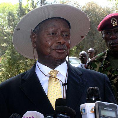 Ugandan presidentti Yoweri Museveni kuvattuna lehdistötilaisuudessa Jubassa Etelä-Sudanissa 30. joulukuuta 2013.