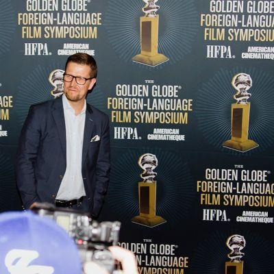 Klaus Härö ulkomaisten Golden Globe -ehdokkaiden symposiumissa, Hollywoodin Egyptiläisessä Teatterissa.