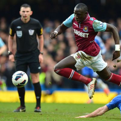 West Hamin Mohamed Diame vauhdissa Chelseaa vastaan.