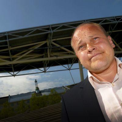 Suomen jalkapallomaajoukkueen päävalmentaja Mixu Paatelainen
