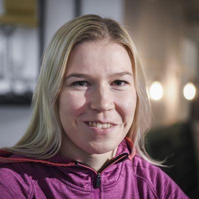 Julia Kykkänen kuvassa