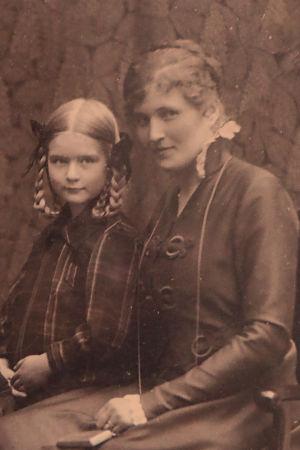 Wäinö Solan perhe vuonna 1916.