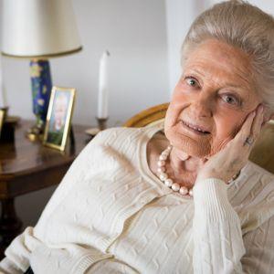 Maya Weber har levt ensam i sju år