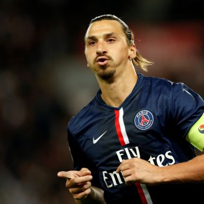 PSG:n Zlatan Ibrahimovic tuulettaa maaliaan.