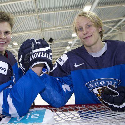 Jesse Puljujärvi (vas.) ja Patrik Laine
