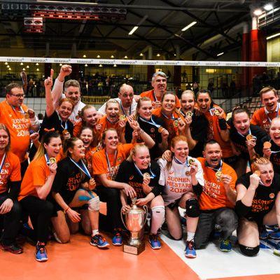 HPK tuulettaa Suomen mestaruutta.