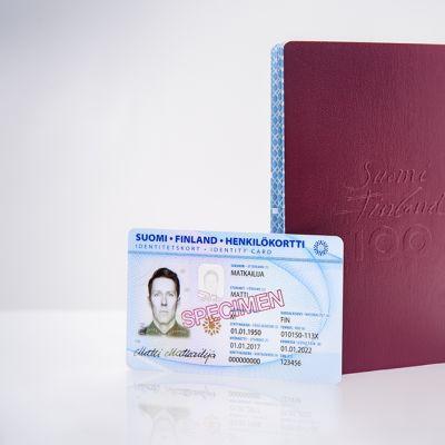 Henkilökortti ja passi.
