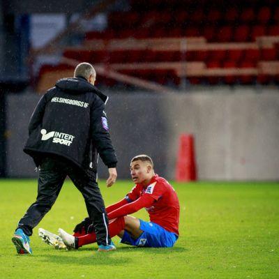 Henrik Larsson ja Jordan Larsson sunnuntaisen putoamiskamppailun jälkeen.
