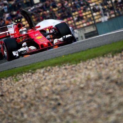 Kimi Räikkönen Shanghain radalla.