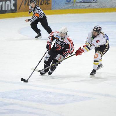 JYP Naiset välieräottelussa helmikuussa 2016.