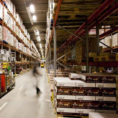 Inex Partnersin logistiikkakeskus Espoon Kilossa 15. helmikuuta 2012.