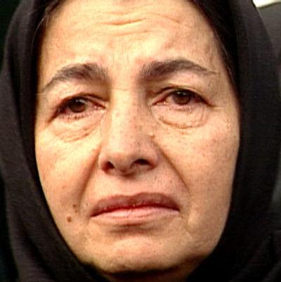 Nainen ulkolinjan dokumentissa Iran huivin alta (1999)