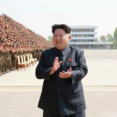 Rodong Sinmun -lehden julkaisema päiväämätön kuva Kim Jong-unista Pjongjangissa, Pohjois-Koreassa toukokuussa 2015.