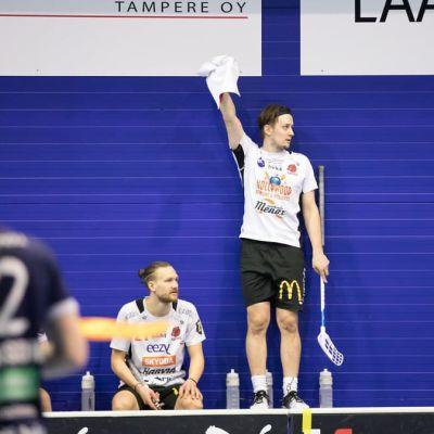 Happeen Peter Kotilainen pudotuspeleissä 2021.