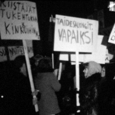 Porno-68-tapahtumaan liittyvä mielenosoitus Tampereella 1968.