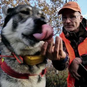 Metsästäjä ja koira, ohjelmasta Erätulilla (2010)