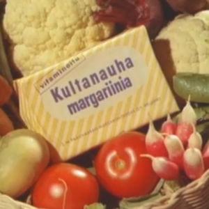 Korissa Kultanauha-margariini juuresten ja vihannesten kera