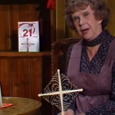 Kylli-täti joulukalenterissaan 21. päivänä.