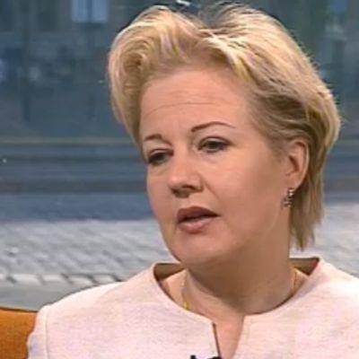 Eronnut kulttuuriministeri Suvi Linden 2002.