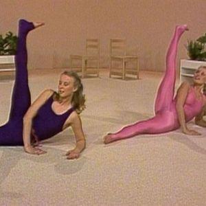Anne Sällylä ja Eeva Luukkonen Iltajumpassa (1983)