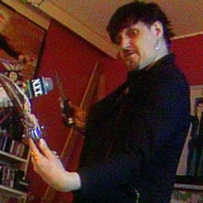 Wicca-mies, ohjelmasta N.Y.T (1996)