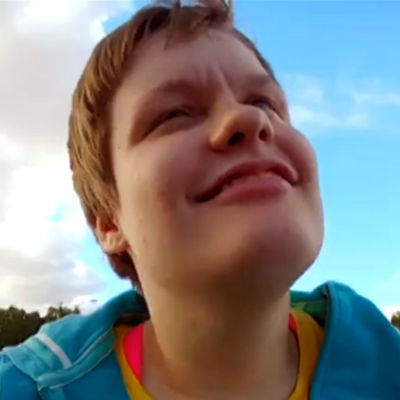 CP-vammainen Heljä Hesso dokumentissa Tiikeriä etsimässä (2013)