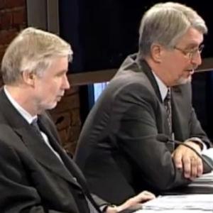 Hannu Himanen, Erkki Tuomioja ja Erkki Huittinen ulkoministeriön Aasian tsunamiin liittyvässä selvityksessä tammikuussa 2005.