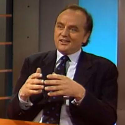 Pentti Kouria haastatellaan ohjelmassa K Tervo (1996)