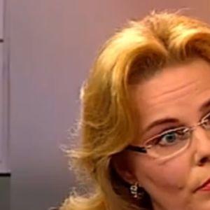 Nina Mikkonen Aamu-tv:ssä 2009.